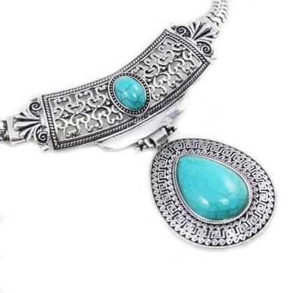 Vintage turquoise stone silver tibe..