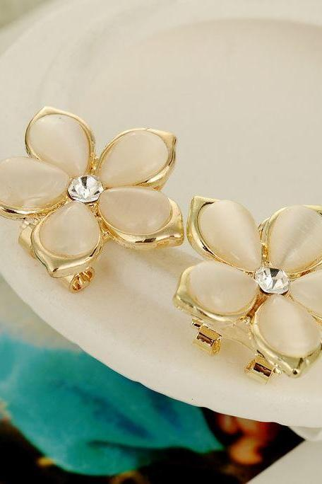 Ivory Earrings Opal Floral Cubic Zircon Stud Flower Ivory Color Earrings Anti-Allergenic