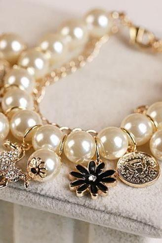 Women Bracelet Pearls Charm Golden Bracelets Ivory Pearls Fashion Bangles